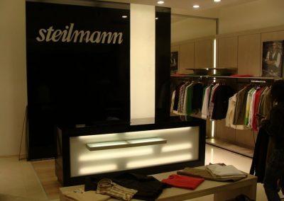 Mobila spatii comerciale la comanda - Steilmann